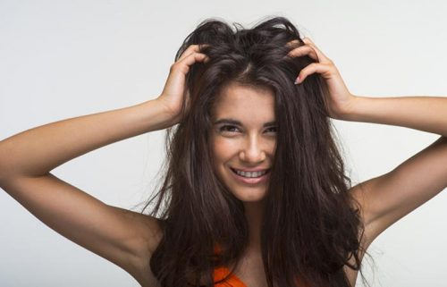 How To Apply Hair Oil for Growth & Conditioning