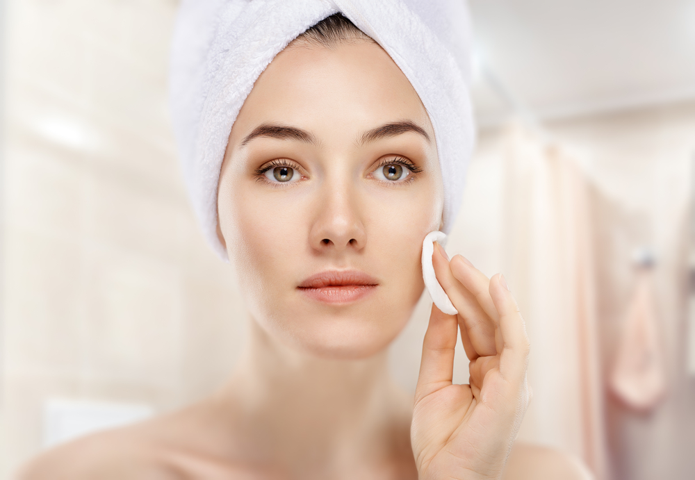 Basic Skincare Tips To Follow If You Are In Your 30s